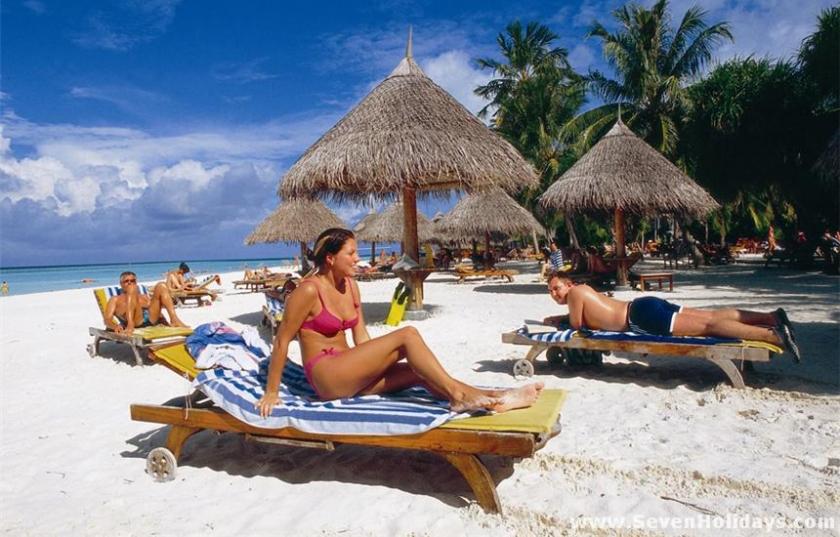 Seven Holidays Sun Island